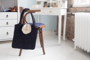 Bag, Handbag made of wool by hand - Black