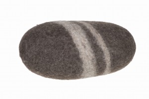 Stone cushion, medium stone Feltiness - Brown