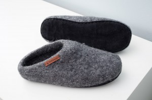 Felt Slippers with sole - Dark natural